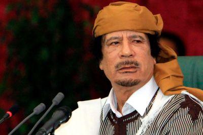 """El Coronel Muammar Gaddafi ha Hablado a los Libios ''''Un gran apoyo moral dado y la proclamación de la resistencia que está circulando en estos días, Libia: """"Usted ve que los colonos hicieron la violencia y la violencia contra el país de Libia, muertos, heridos y hechos a los huérfanos los niños. Todo se hizo bajo el nombre falso de la revolución. Todos los hijos de honesta Libia, los hijos de los muyahidines y los hijos de los comandantes muyahidines, el sol brillará después de una larga noche y lo que necesita saber que la victoria está cerca, y que la liberación está cerca. Pronto se reunirá con el comandante de la Gran Jamahiriya en la televisión. """""""